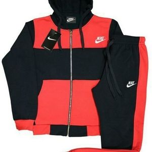 Nike Tech jogging suit